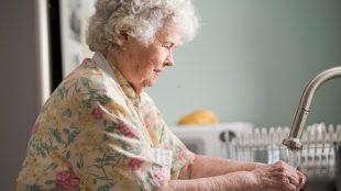 Qui est en mesure d'aller en foyer pour personnes âgées ?